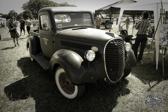 38-ford-pinstriped-pickup-4